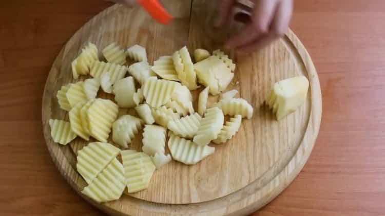 Для приготовления скумбрии с овощами в духовке, подготовьте ингредиенты
