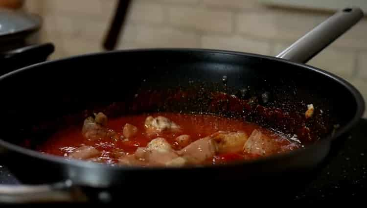 Для приготовления спагетти смешайте ингредиенты