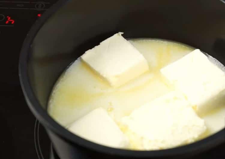 По рецепту, для приготовления трубочек в вафельнице, подготовьте ингредиенты