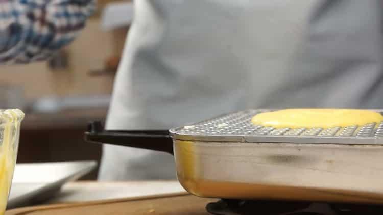 Хрустящие трубочки в вафельнице - рецепт приготовления в домашних условиях