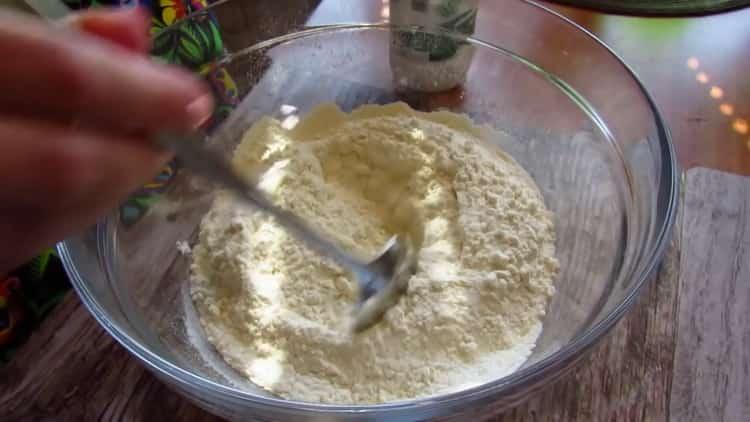 Для приготовления хачапури на сковороде подготовьте ингредиенты