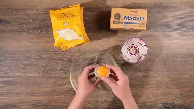 Для приготовления хачапури по имеретински приготовьте яйца