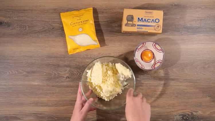 Для приготовления хачапури по имеретински приготовьте начинку