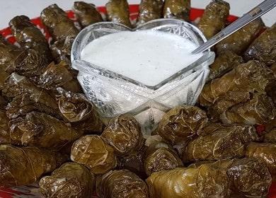 Голубцы из виноградного листа — секреты приготовления кавказского блюда 🍇