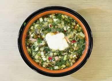 Рецепт классической окрошки с колбасой на квасе — вам непременно захочется добавки 🥣