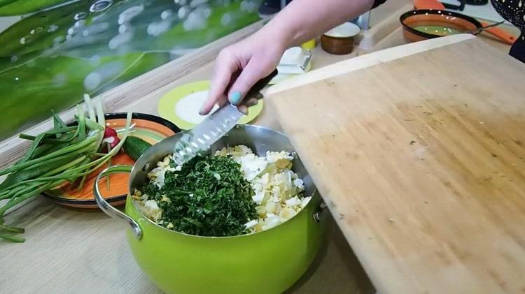 Рецепт классической окрошки с колбасой на квасе - вам непременно захочется добавки