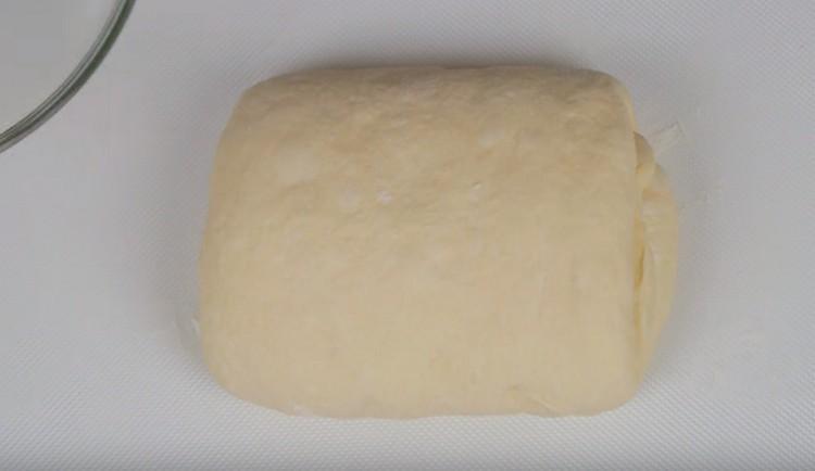 наше мягкое тесто для пиццы готово.