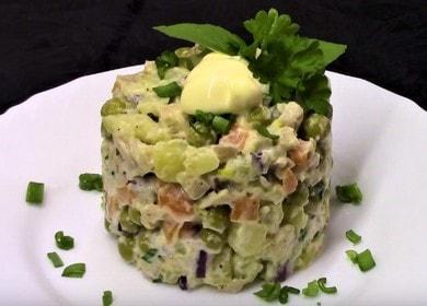 Постный салат с кальмарами — нежный, сытный и очень вкусный 🦑