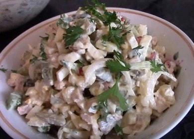 Вкусный и простой салат из консервированных кальмаров 🦑