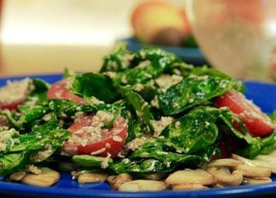 Салат со шпинатом, помидорами и кунжутной заправкой 🥗