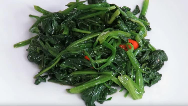 Такой рецепт приготовления шпината позволяет быстро сделать питательное и полезное блюдо.