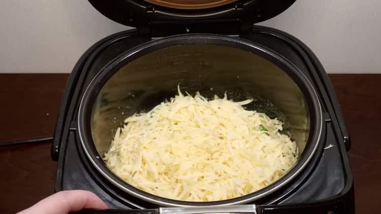 Для приготовления брокколи натрите сыр
