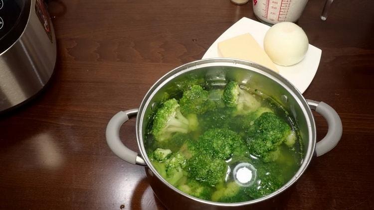 Для приготовления брокколи подготовьте ингредиенты