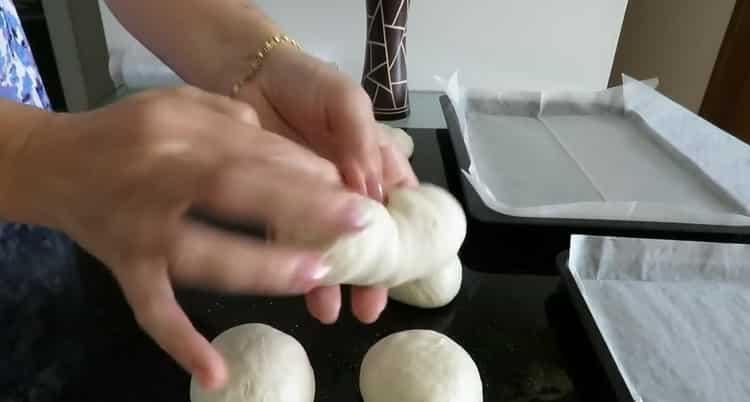Для приготовления булочки сформуйте булочки