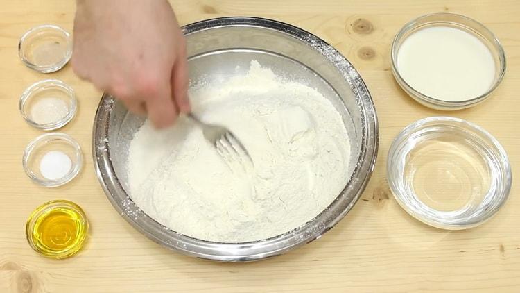 Готовим быстрое дрожжевое тесто для пиццы на молоке