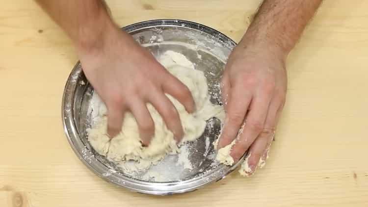 Для приготовления теста соедините ингредиенты