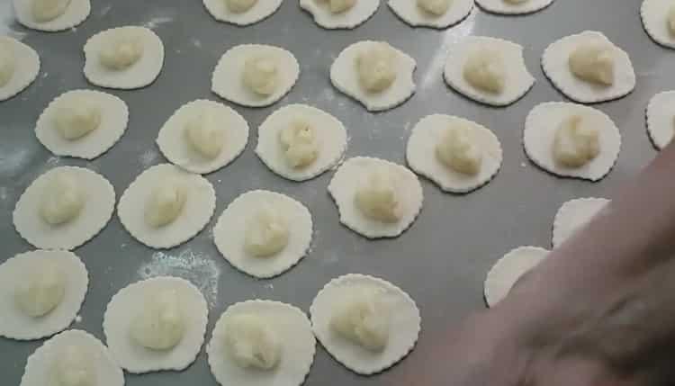 Жареные вареники с картошкой по пошаговому рецепту с фото