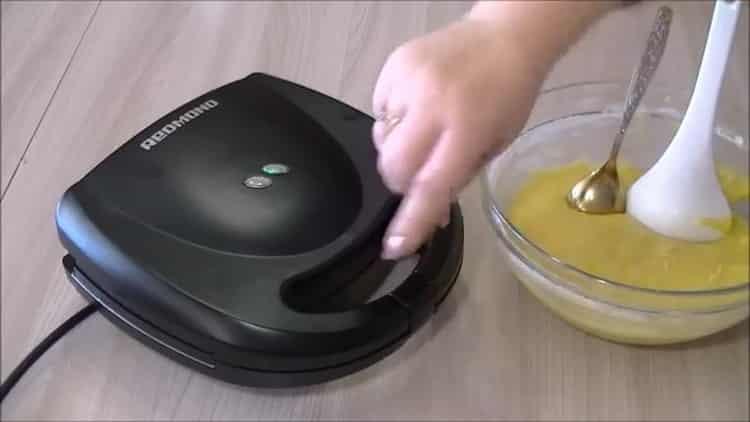 Для приготовления вафель подготовьте технику