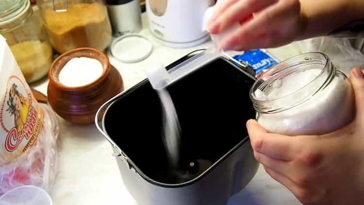Для приготовления теста дорбавьте соль