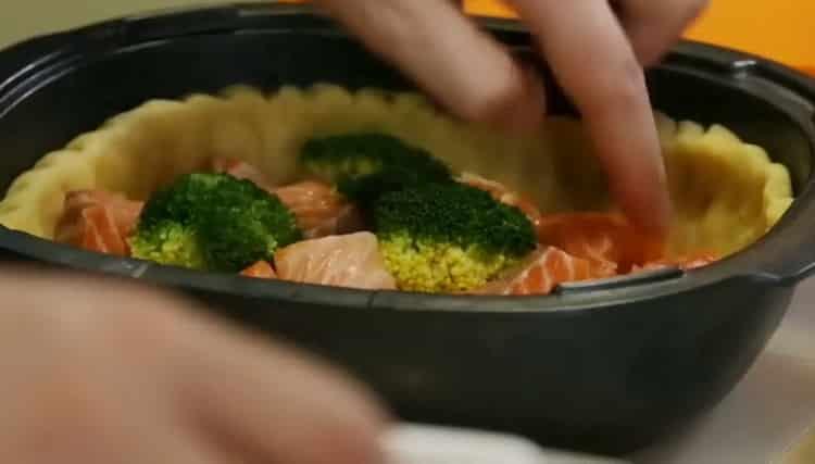 Киш с лососем и брокколи по пошаговому рецепту с фото