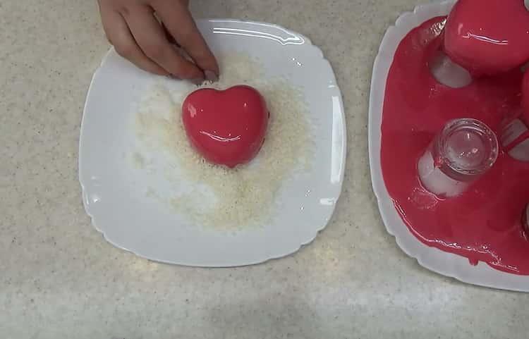 Для приготовления пирожного приготовьте посыпку