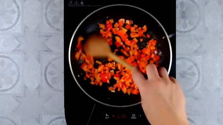 Для приготовления овощной лазаньи подготовьте ингредиенты