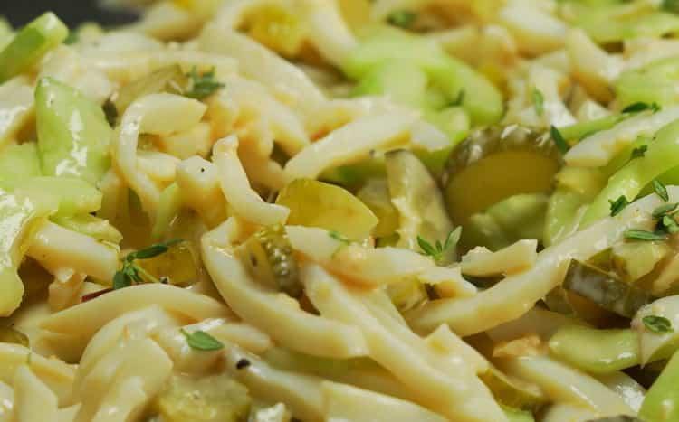 Салат с кальмаром и огурцом по пошаговому рецепту с фото