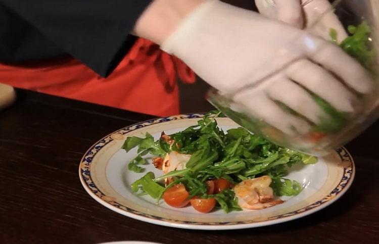 Салат с рукколой и креветками - рецепт от профессионального шеф-повара