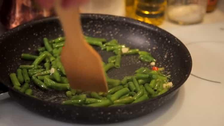 Для приготовления фасоли подготовьте ингредиенты