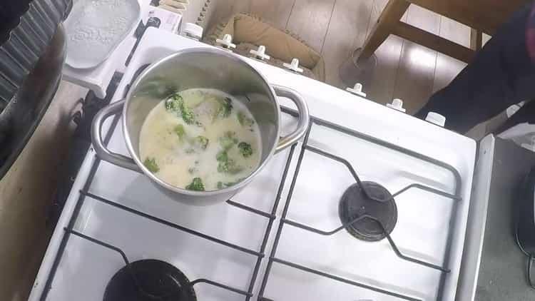 Для приготовления супа подготовьте сливки