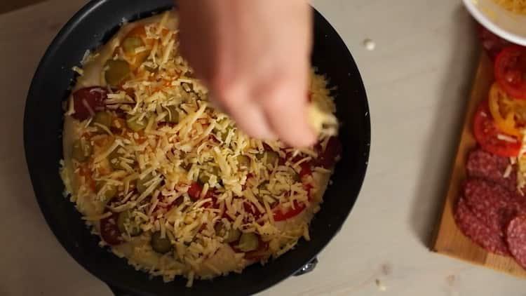 Для приготовления теста подготовьте сковородку