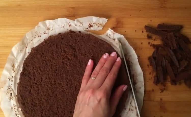 Для приготовления торта мороженого приготовьте корж