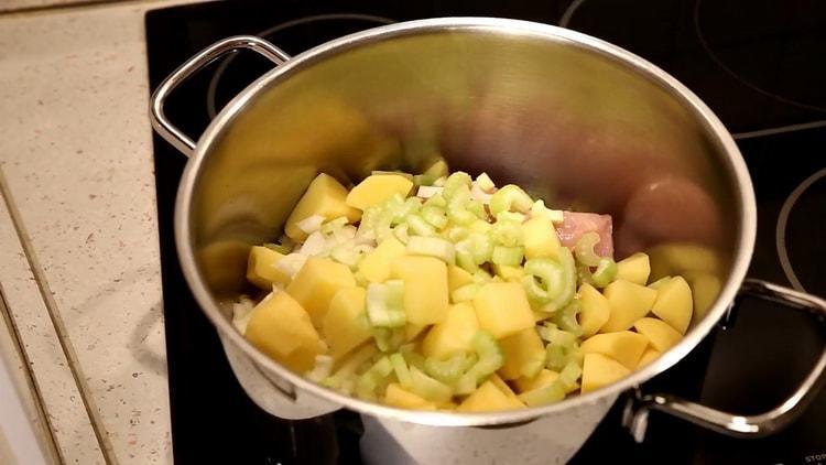 Для приготовления супа подготовьте ингредиенты