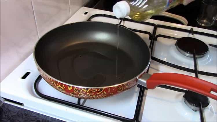 Как готовится гречка с овощами на сковороде