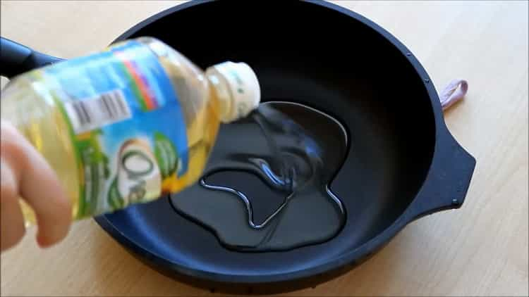 Для приготовления гречки подготовьте масло