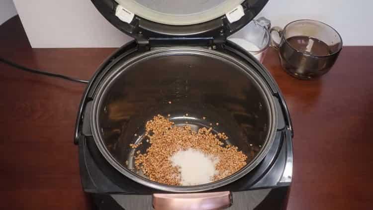 Как готовится гречневая каша на молоке в мультиварке