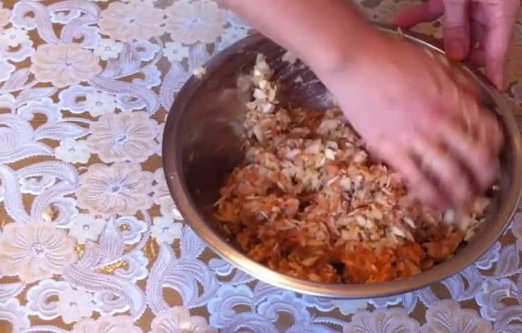 Для приготовления голубцов приготовьте фарш