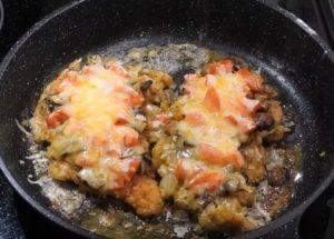 Гтовим вкусное мясо по-французски на сковороде по пошаговому рецепту с фото.