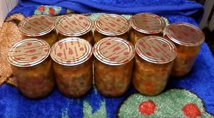 Как видите, юрча из кабачков на зиму готовится легко и быстро.