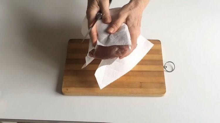 Как готовится буженина в духовке в фольге из свинины
