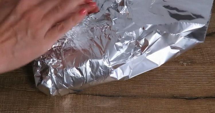 Для приготовления блюда подготовьте фольгу