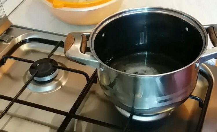 Для приготовления блюда приготовьте маринад