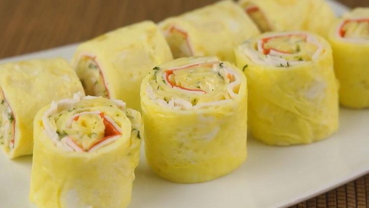 Для приготовления блюда нарежьте закуску