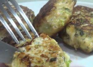 Сытные и ароматные куриные котлеты с кабачком