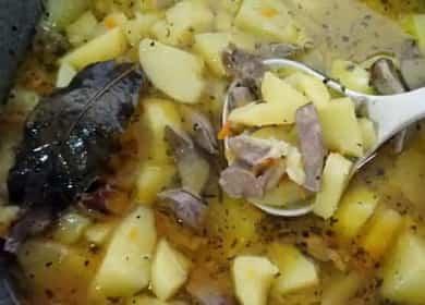 Как научиться готовить вкусную печень с картошкой 🥘