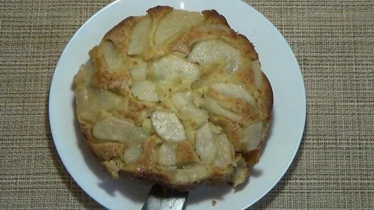 пирог с грушами готов