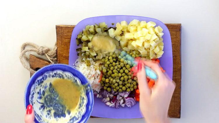 Для приготовления блюда добавьте заправку