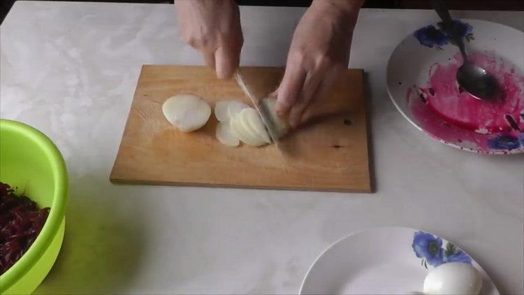 Готовим салат из вареной свеклы