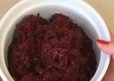 Простой салат из свеклы — пальчики оближешь 🥣