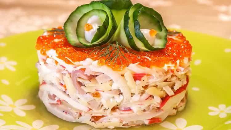 салат с кальмарами и крабовыми палочками: простойрецепт